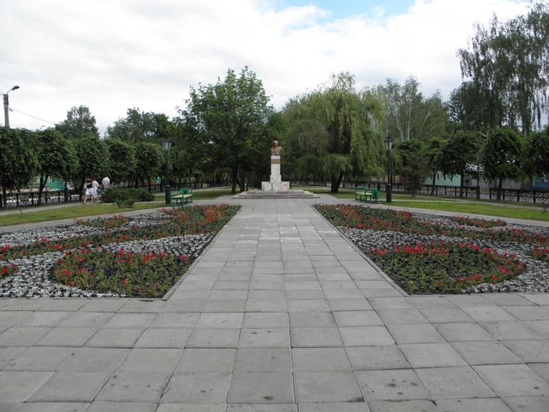 Памятник поэту М.Ю. Лермонтову в Тамбове