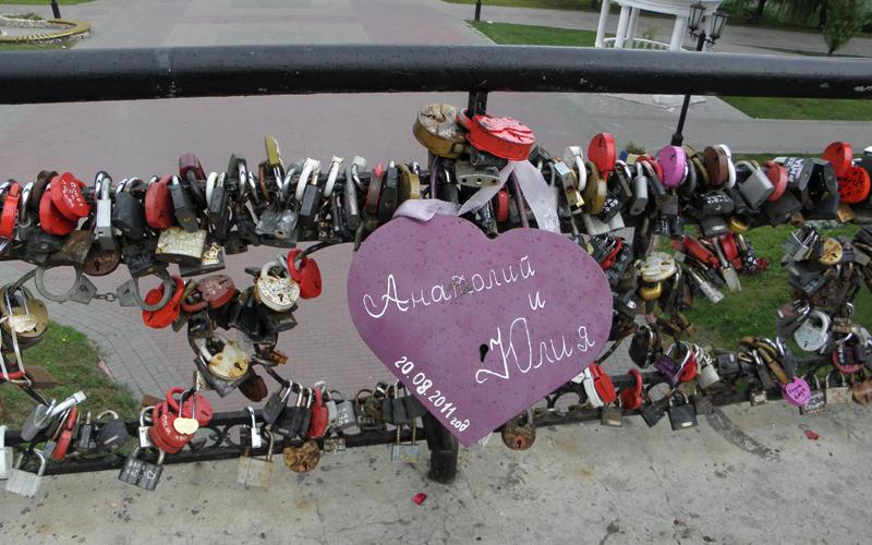 Свадебный замок на Мосту Влюблённых