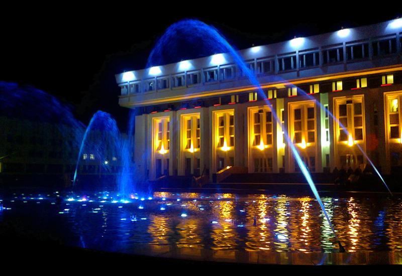 Танцующий проекционный светомузыкальный фонтан